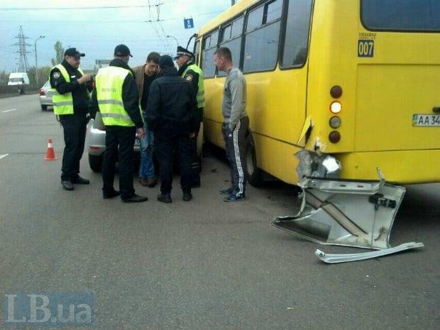У Києві п'яні поліцейські влаштували аварію